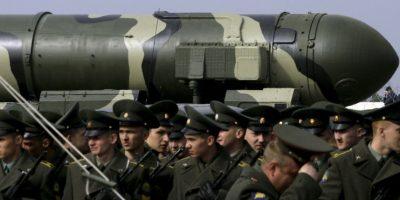El misil Tópol-M (RT-2UTTH). Durante la Guerra Fría, Rusia desarrolló este tipo de misiles, los cuales tras mejoras alcanzan grande distancias y tienen una vida de aproximadamente 20 años. Foto:Getty Images
