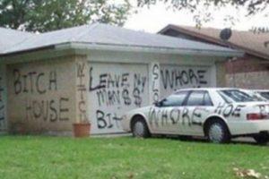 También se han popularizado otros casos, en Facebook. Sea con letreros, publicaciones. Foto:vía Facebook