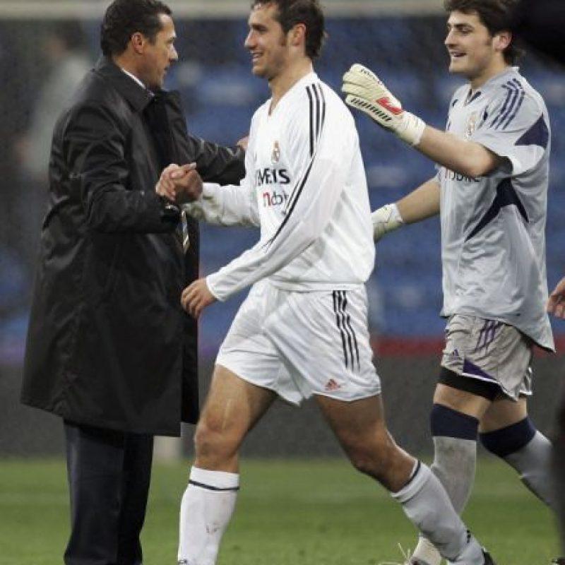 Fue quien terminó la tormentosa temporada 2004-2005 del Real Madrid y firmó hasta junio de 2006… pero tampoco llegó. Fue despedido justo un año después de su llegada a la entidad merengue, en diciembre de 2005. Eso sí, recibió un finiquito de un millón 756 mil euros. Foto:Getty Images