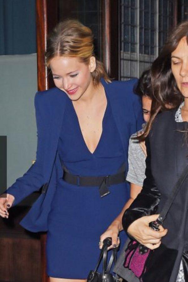 Traía un vestido rojo de Calvin Klein. Foto:vía Getty Images