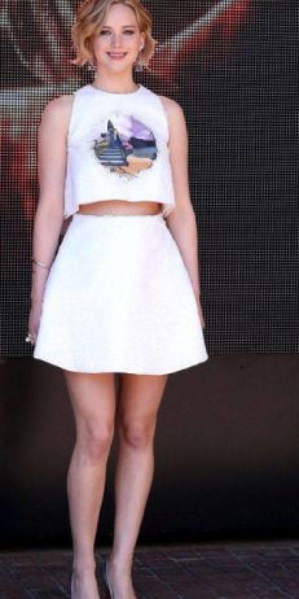 Dior, bajo la égida de su entonces creador Raf Simmons, apostó por el look fresco de la actriz. Foto:vía Getty Images