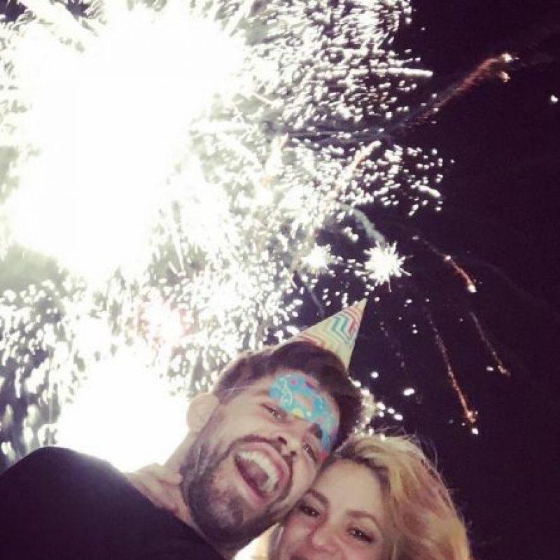 Gerard Piqué al lado de su pareja Shakira Foto:Vía instagram.com/shakira