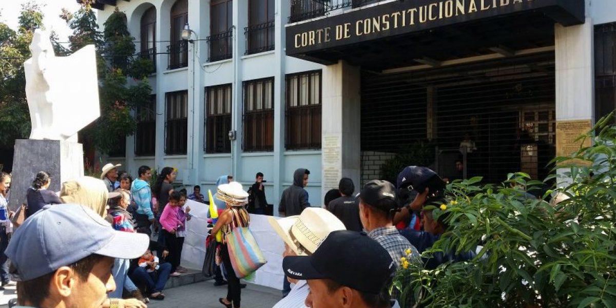 Esto es lo que exige el plantón pacífico frente a la Corte de Constitucionalidad