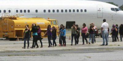 Connacionales regresan al país tras capturas por migración en EE.UU