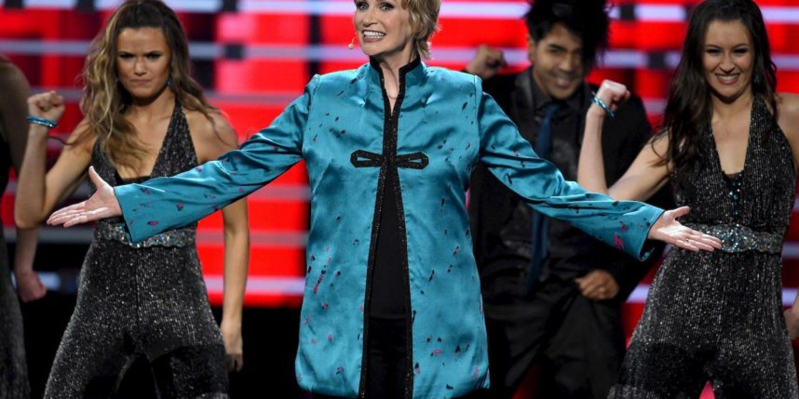 La actriz Jane Lynch decidió parodiar lo sucedido en Miss Universo 2015 Foto:Getty Images
