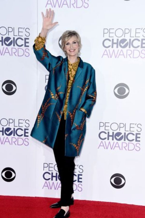 Jane Lynch recuerda mucho a Tilda Swinton cuando vestía esos fabulosos conjuntos de Haider Ackermann. Esta tendencia, la oriental, también viene para esta temporada. Foto:vía Getty Images