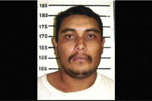 Se le busca por violación y asesinato de dos mujeres en 1998. Probablemente reside en Durango, México, informa la agencia estadounidense. Se ofrecen 100 mil dólares por información que lleve a su captura. Foto:FBI.gov