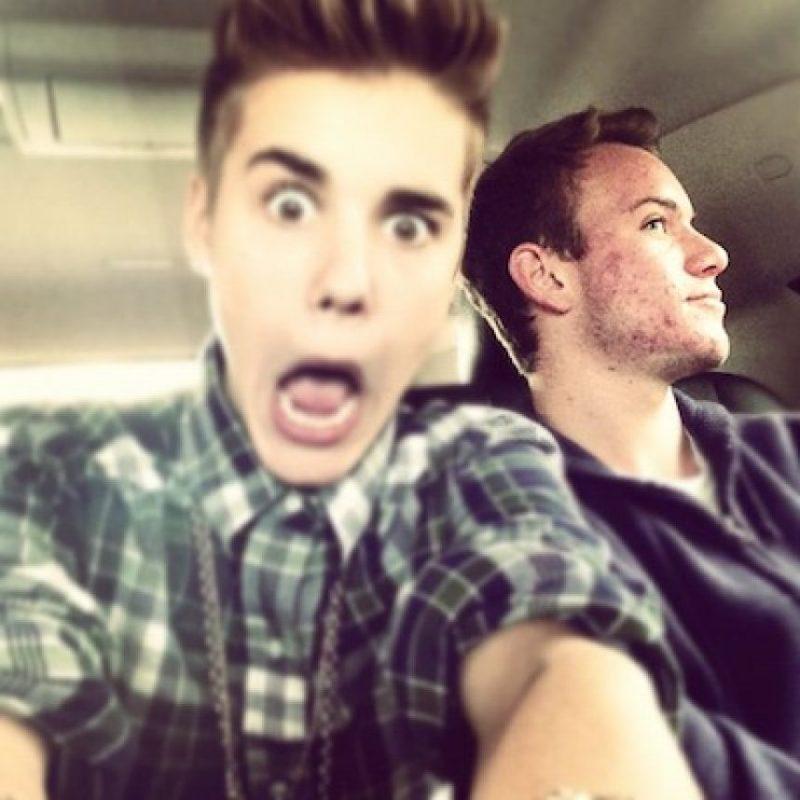 Se dijo que Justin y su papá fumaron marihuana juntos mientras iban en un vuelo de Canadá a Nueva Jersey. Foto:Instagram/justinbieber