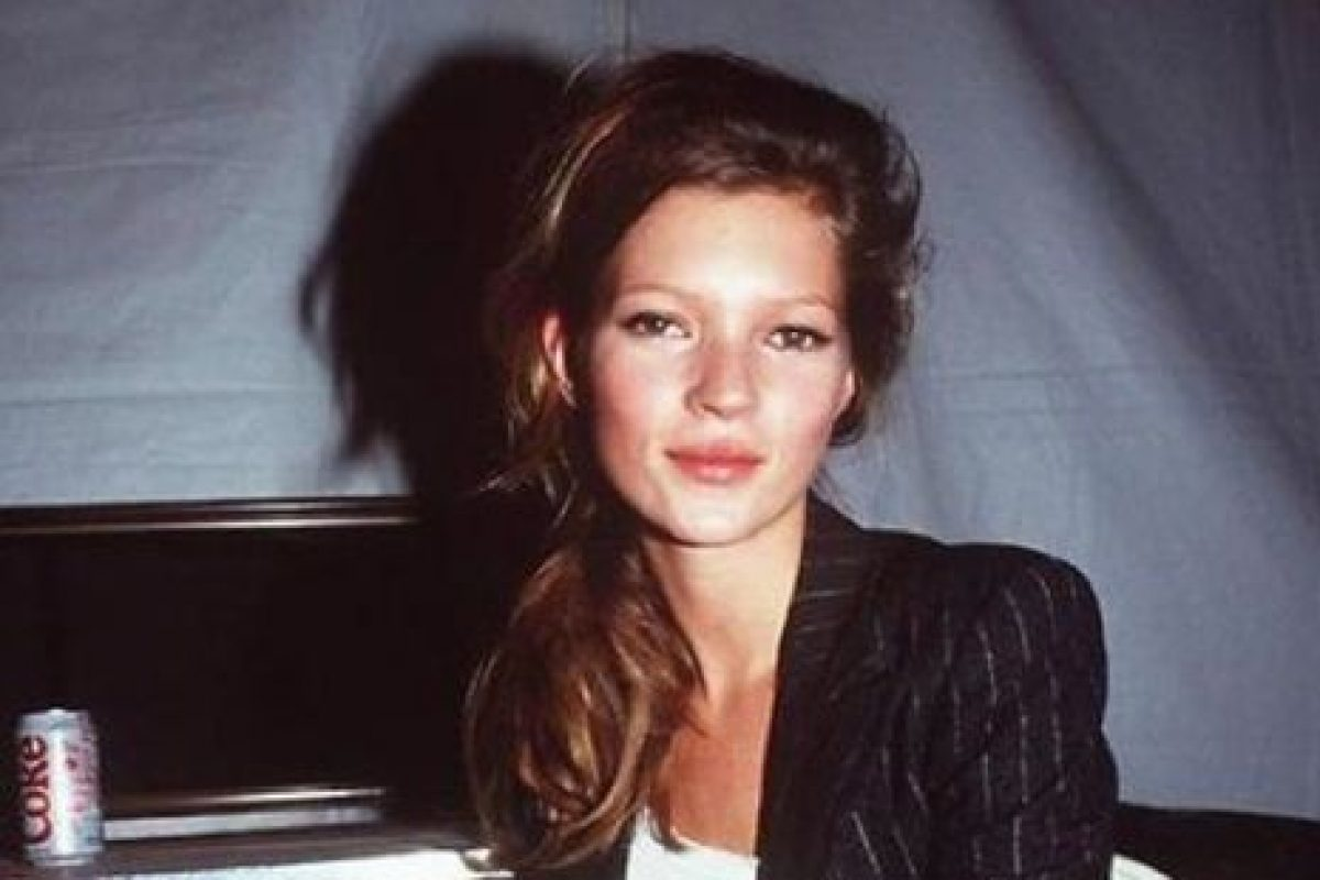 Fue descubierta en 1988, a los 14 años, en el aeropuerto JFK de Nueva York. Foto:vía Vogue