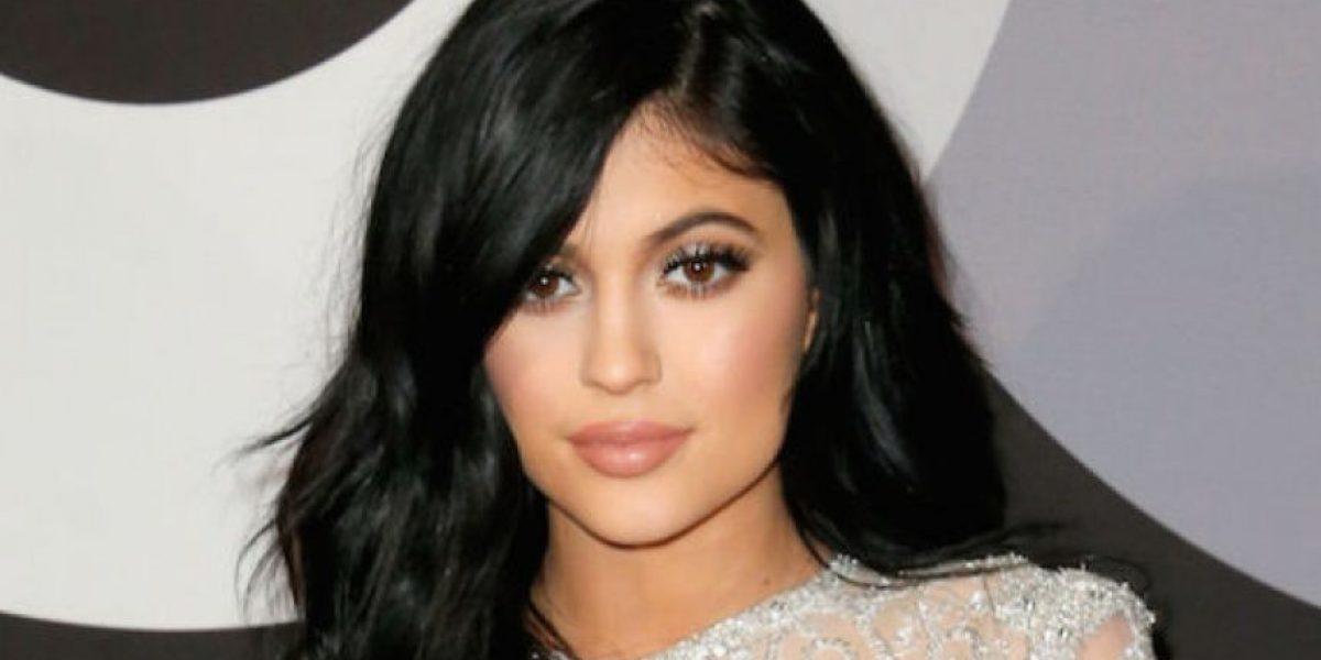 Kylie Jenner vuelve a ser traicionada por sus leggings y muestra de más