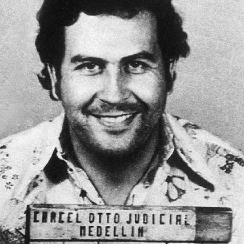 """Pablo Escobar no siempre fue considerado uno de los peores narcotraficantes de la Historia. De hecho, en 1982, en Colombia, se le llamaba """"El Robin Hood Paisa"""", por las obras benéficas que hacía en Medellín. Foto:vía Pablo Emilio Escobar Gaviria. com"""