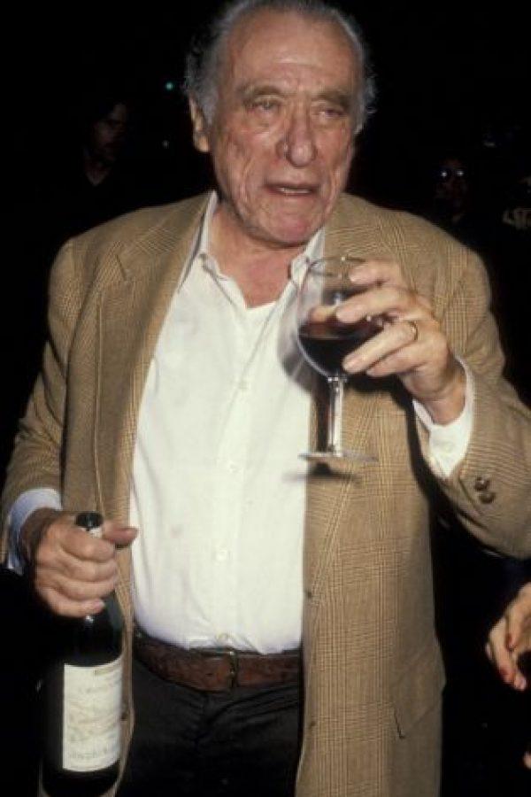 En 1987 se reunió con el periodista y poeta estadounidense Charles Bokowski. Foto:Getty Images
