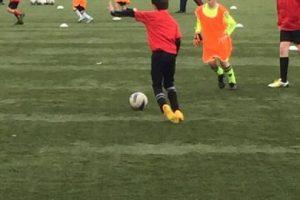 Dave juega fútbol y entrena en una academia. Foto:Vía twitter.com/shawyefc79