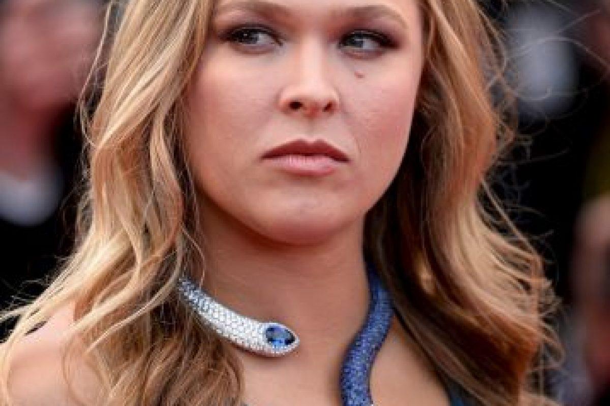 Y Cyborg atacó toda la vida que lleva Ronda Rousey, asegurando que no tiene verdaderos amigos y que no es feliz, a pesar de ser una campeona mundial. Foto:Getty Images