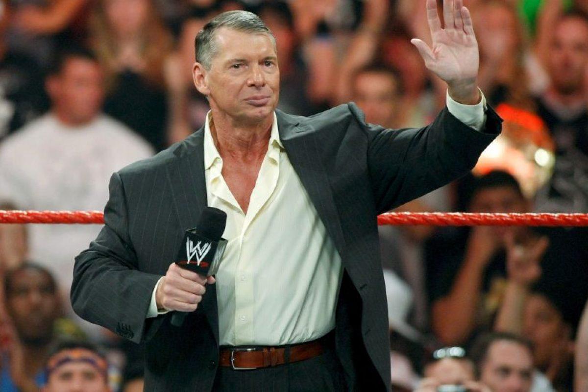 Uno de ellos ocurrió en 1984, cuando McMahon admitió que los shows de su compañía eran actuados provocando el enfado de muchos de los fanáticos de esta disciplina. Foto:Getty Images
