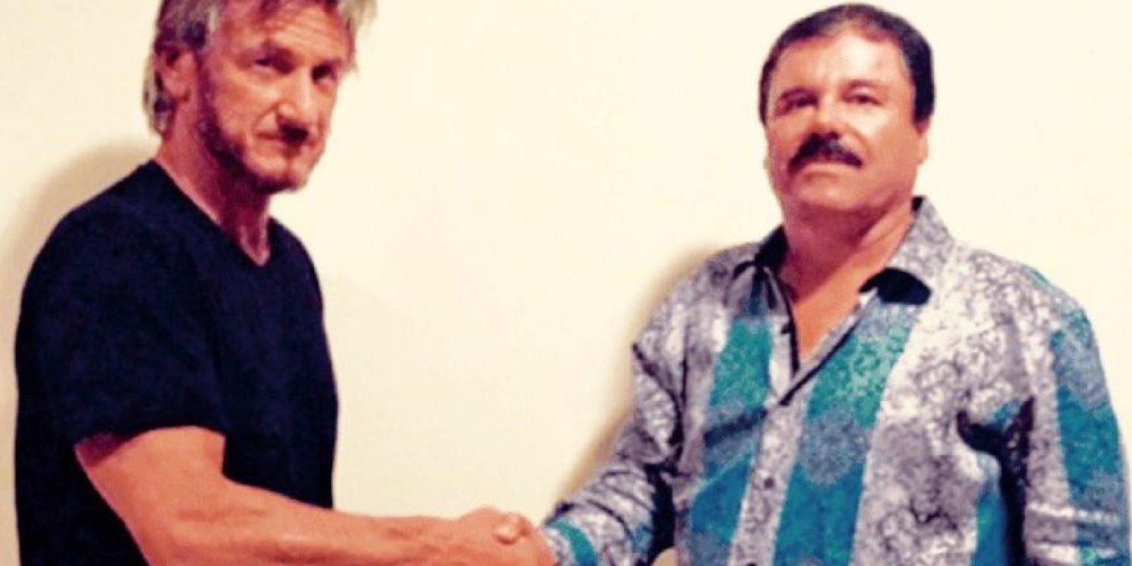 Esta camisa azul ha sido la causante de muchas burlas y críticas. Foto:vía Rolling Stone