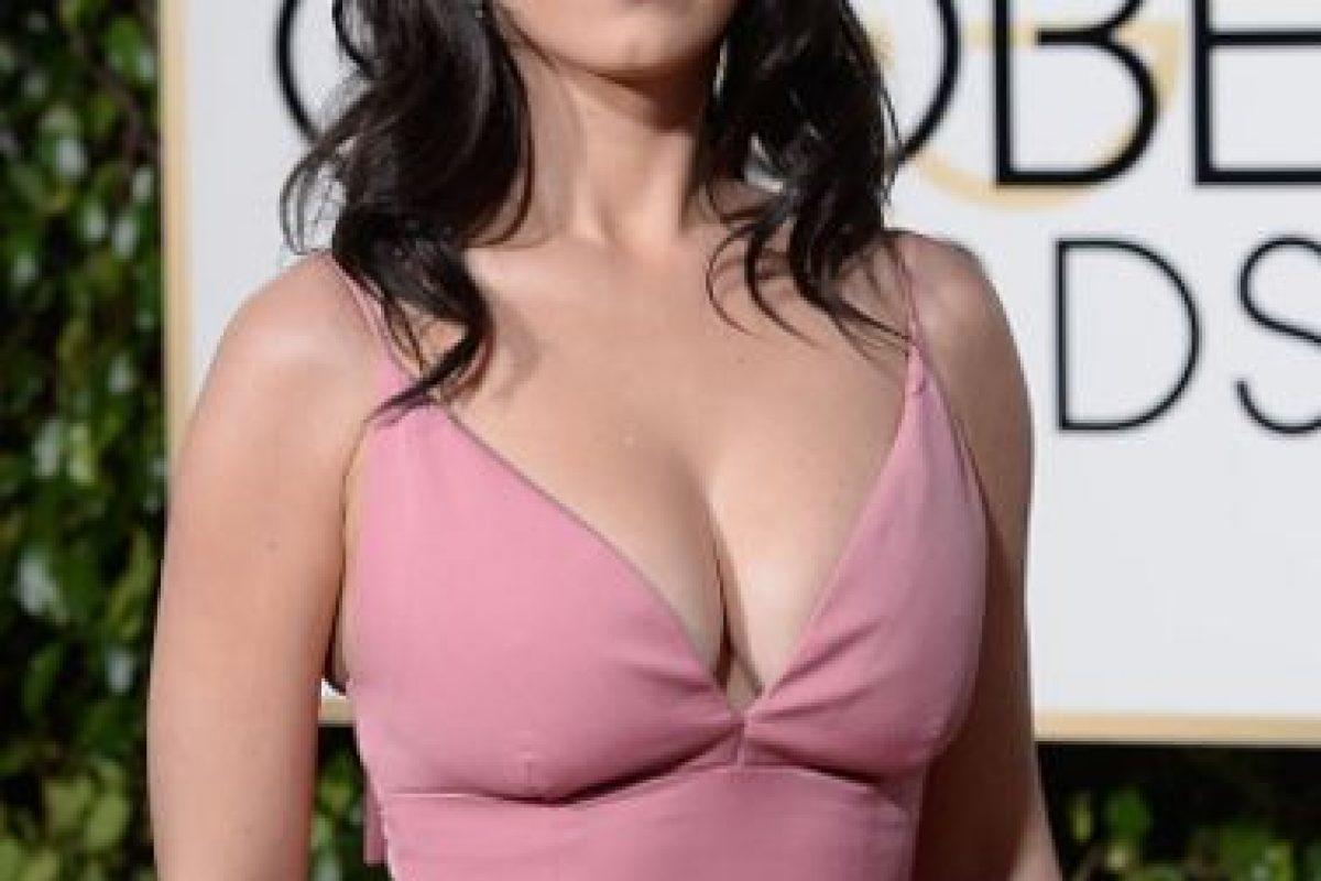 Katy Perry trató de imitar el look que hizo tan popular a Brigitte Bardot alguna vez. Falla por el escotazo y el desaliño. Foto:vía Getty Images