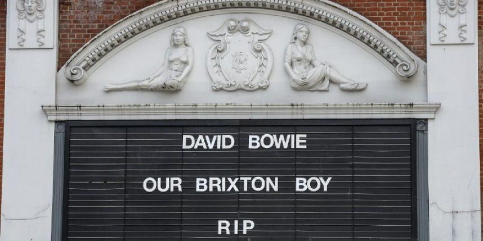 En Londres los espacios públicos, como el cine The Ritzy, lamentaron la pérdida del músico Foto:AFP