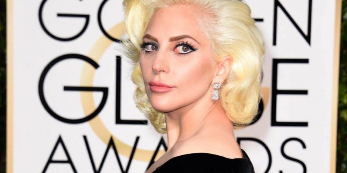 ¡Simplemente hermosa! Así lució Lady Gaga en la alfombra de los #GoldenGlobes