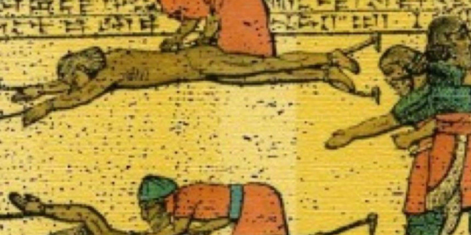 4- Desollamiento. Un método antiguo que consiste en arrancarle la piel al sujeto vivo. Foto:vía Wikipedia