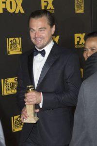 Aquí los actores con su galardón. Foto:Getty Images