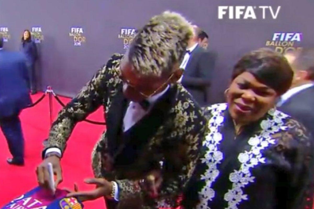 Paul Pogba al lado de su madre Foto:Getty Images