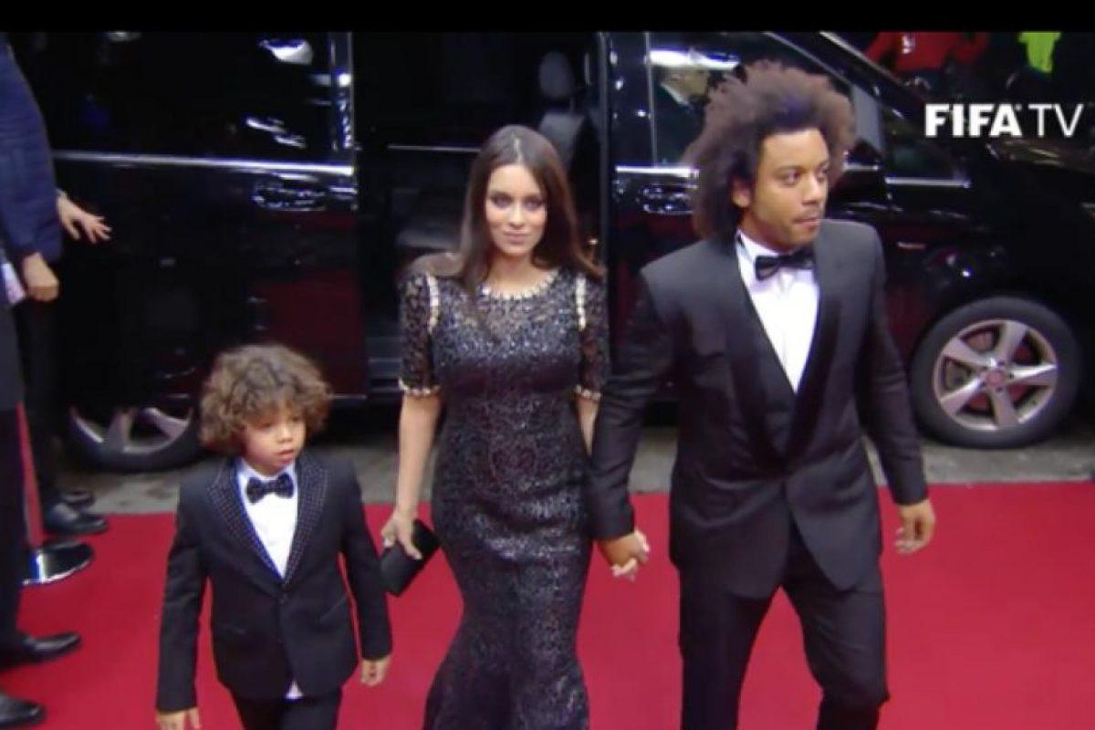 El brasileño Marcelo y su familia Foto:Twitter