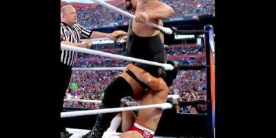 """Durante su época en la WCW, intimidaba a la WWE como """"The Giant"""". Hoy es una de las súper estrellas de la compañía. Foto:WWE"""