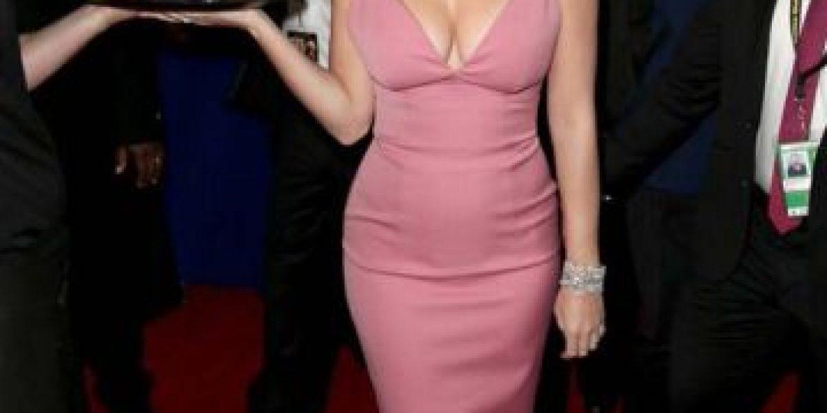 ¡No la perdonaron! Así posó Katy Perry en los Globos de Oro y la hicieron meme