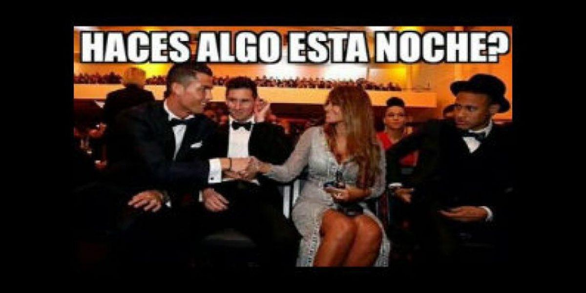 Los mejores memes de la curiosa foto de Messi, su esposa y Cristiano Ronaldo