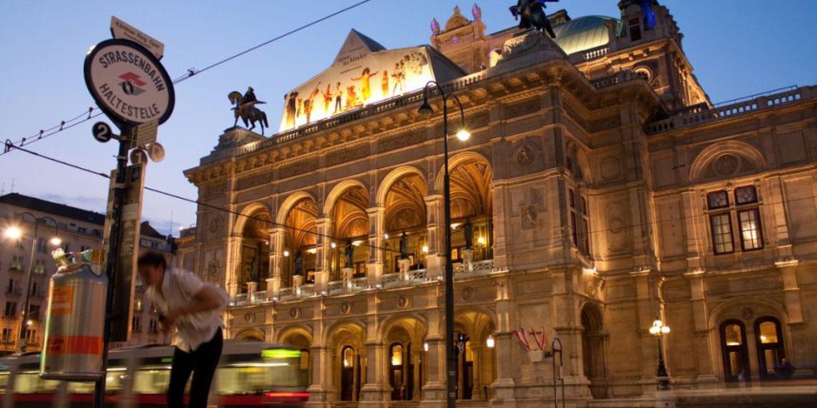 Ópera de Viena. En su interior se puede conseguir todo sobre el Teatro de la Ópera. Foto:Vía Flickr