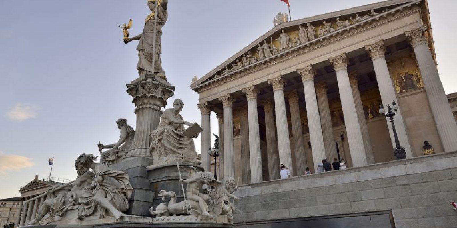 Parlamento Austriaco. Construido en el siglo XIX es uno de los edificios más notable en Ringstrasse. Foto:Vía Flickr