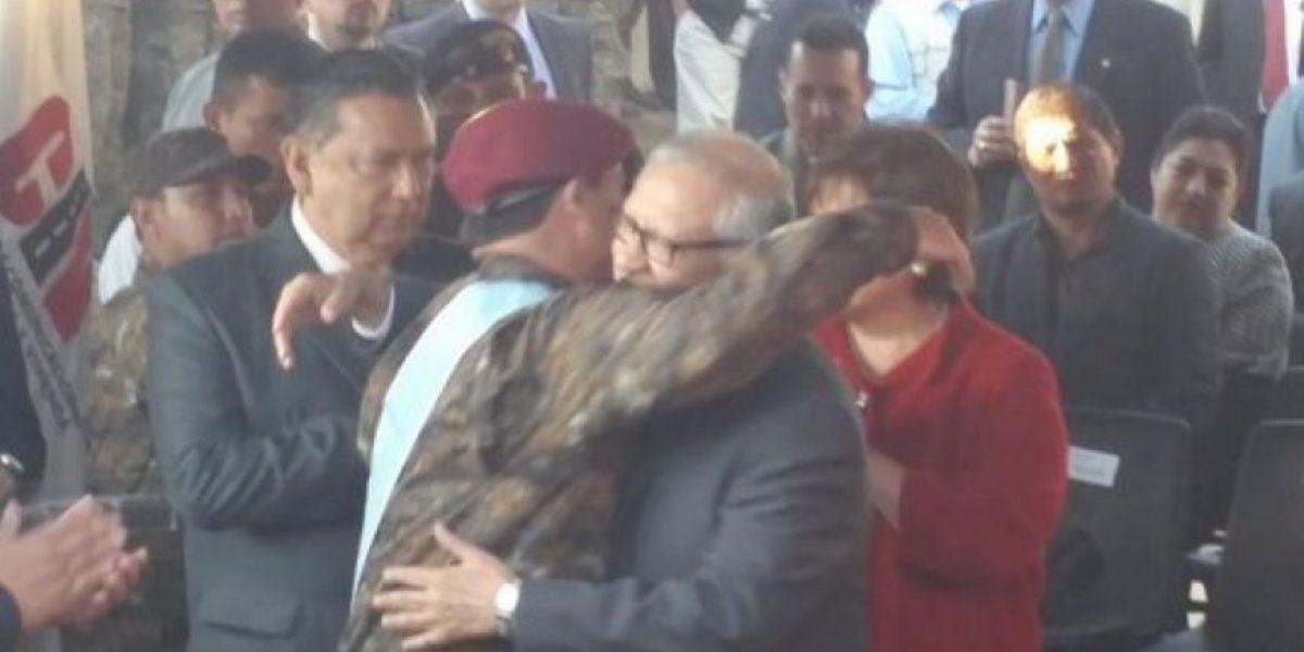Maldonado reconoce labor de sus ministros con Orden del Quetzal