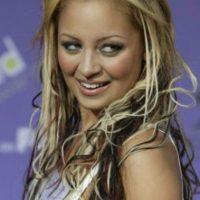 Estas extensiones con el pelo más dañado del mundo para Nicole Richie. Foto:vía Getty Images