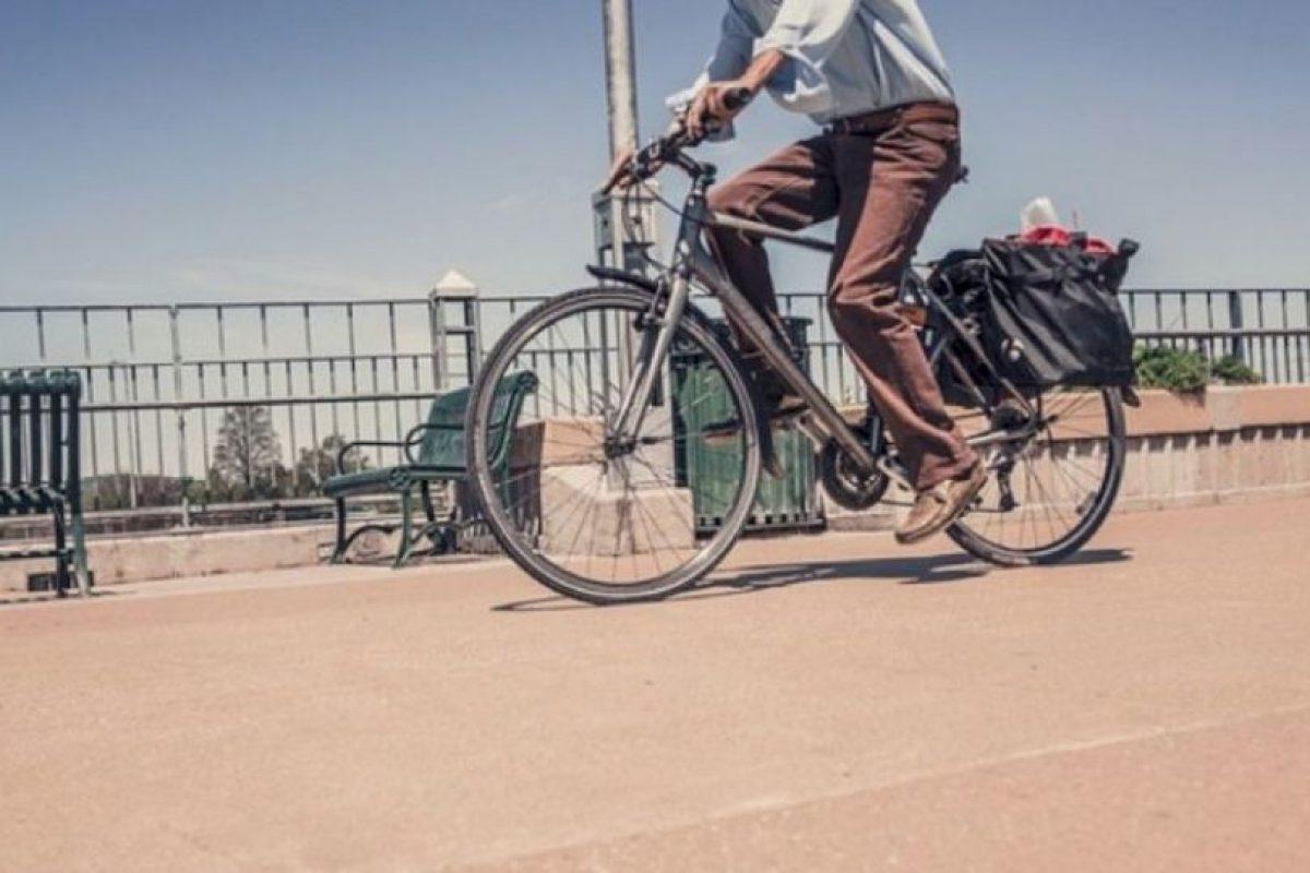 6. Siempre deben elegir los lugares menos transitados por peatones para circular. Foto:Pixabay