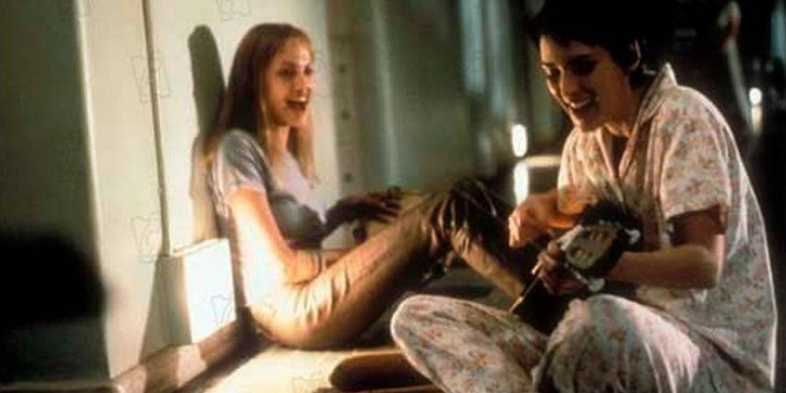 """""""Inocencia interrumpida"""" es un filme basado en las memorias escritas por la autora estadounidense Susanna Kaysen y publicadas en 1993. Angelina Jolie logró ganar el Óscar a la mejor actriz de reparto en el 2000. Foto:3 Art Entertainment"""
