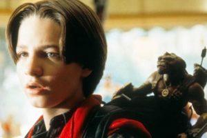 """""""Pequeños Guerreros"""" fue una popular película de los 90 que mostraba cómo unos juguetes cobraban vida por un experimento científico. Foto:vía Amblin"""
