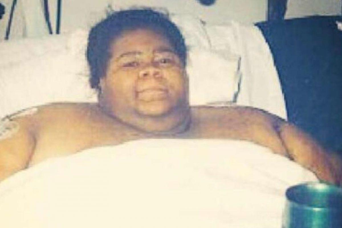 Catrina Raiford pesaba 500 kilogramos (media tonelada) en 2003. Dejó de respirar y la tuvieron qeu sacar con un remolque luego de romper la pared para llevarla al Hospital. Foto:vía Facebook/Catrina Raiford