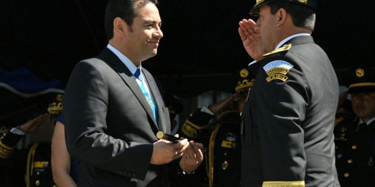 Las mejores imágenes del saludo del Ejército a Jimmy Morales, Comandante General