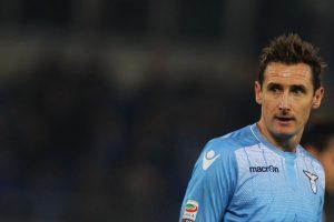 Militó en el Kaiserlautern, Werder Bremen, Bayern Múnich y se retirará en la Lazio de Italia Foto:Getty Images