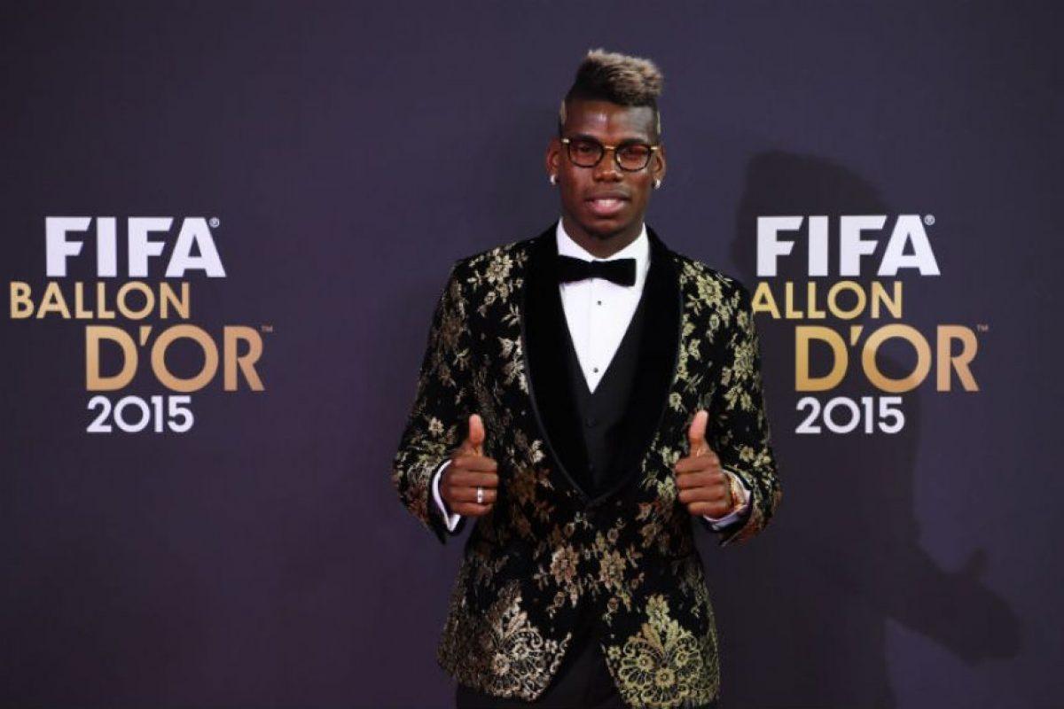 Con este look se presentó el francés a la Gala del Balón de Oro Foto:Getty Images