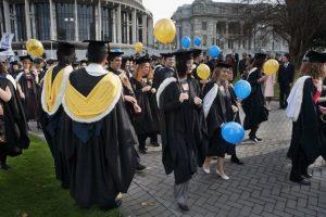 El derecho a una matrícula en la universidad cuesta $4 mil 113 dólares. Foto:Wikipedia.org