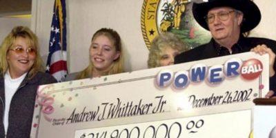 """Andrew """"Jack"""" Whittaker ya era rico cuando en 2002 ganó casi $315 millones de dólares. Apesar de que quiso compartir el no pudo escapar de sus propios demonios. Foto:vía Pinterest"""