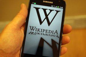 La enciclopedia libre virtual fue iniciada en enero de 2001 por Jimmy Wales y Larry Sanger. Foto:Getty Images