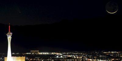 Imagen del cometa PanSTARRS, que tuvo su punto más cercano a la Tierra el 12 de marzo de 2013. La fotografía fue tomada en Las Vegas, Estados Unidos. Foto:Getty Images