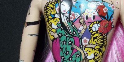 Padres de familia generaron controversia debido a que creían que la muñeca iba a incitar a que sus hijas desearan tener tatuajes. Foto:Vía Instagram
