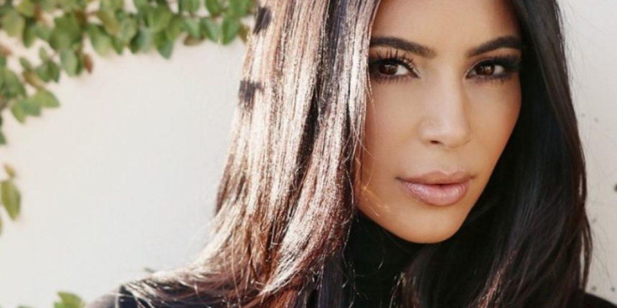 Kim Kardashian luce espectacular figura a un mes de dar a luz