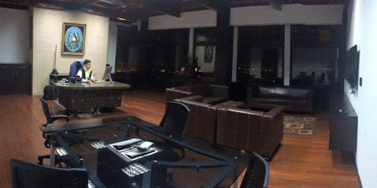 Este es el despacho de lujo que usaba Otto Pérez Leal en Mixco