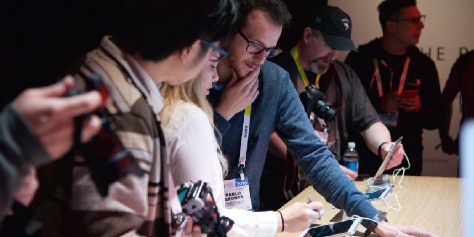 Decenas de periodistas alrededor del mundo participaron al lanzamiento mundial de los productos Huawei para 2016 Foto:LUIS CARLOS NÁJERA