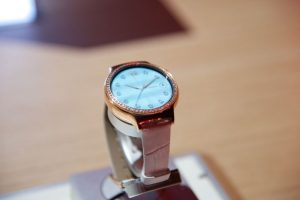 El Huawei Watch para mujeres demuestra ser un reloj inteligente sin igual ya que su diseño se trabajó en conjunto con la casa Swarovski Foto:LUIS CARLOS NÁJERA
